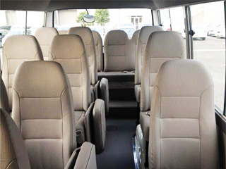 19-Seater02